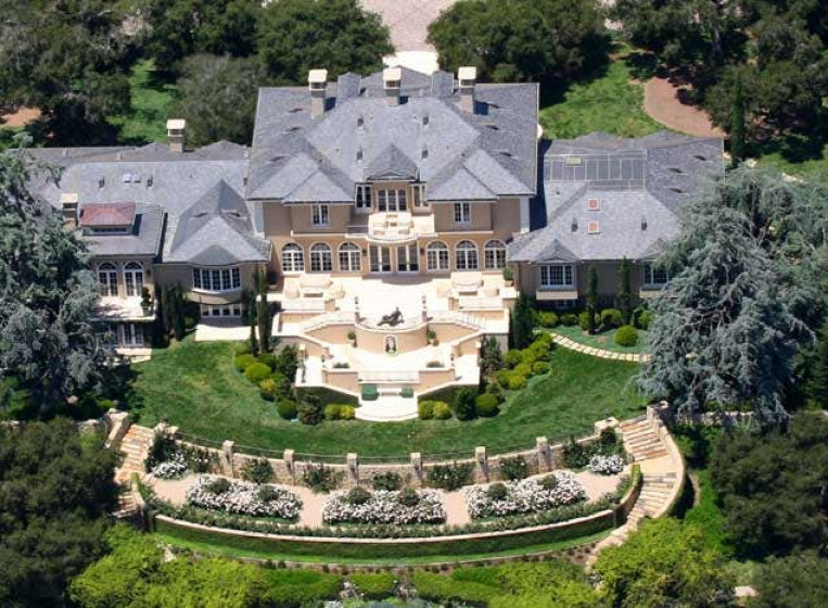 10 of the Biggest Celebrity Mansions